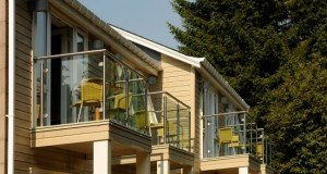 Craigmhor Lodge and Courtyard Boutique B&B - The Modern Glass Balconies