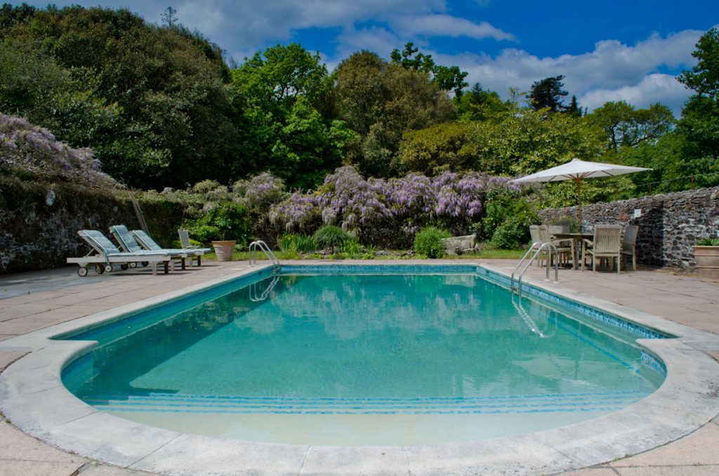 Pentillie castle boutique breakfast for Hotels near warwick castle with swimming pool