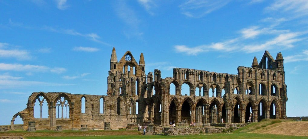 whitby abbey top things to do in Whitby